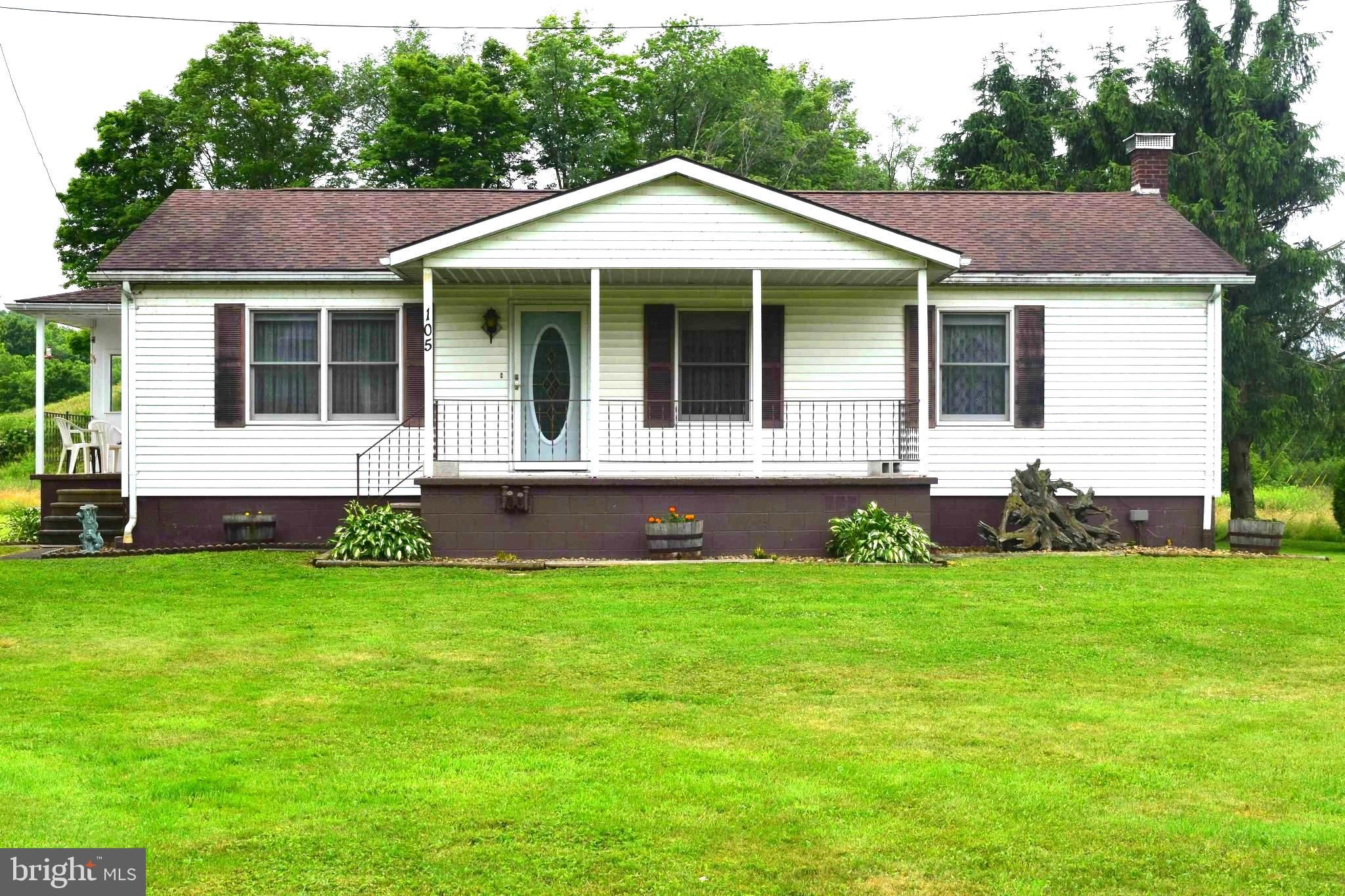105 SIPPLE DR, MEYERSDALE, PA 15552