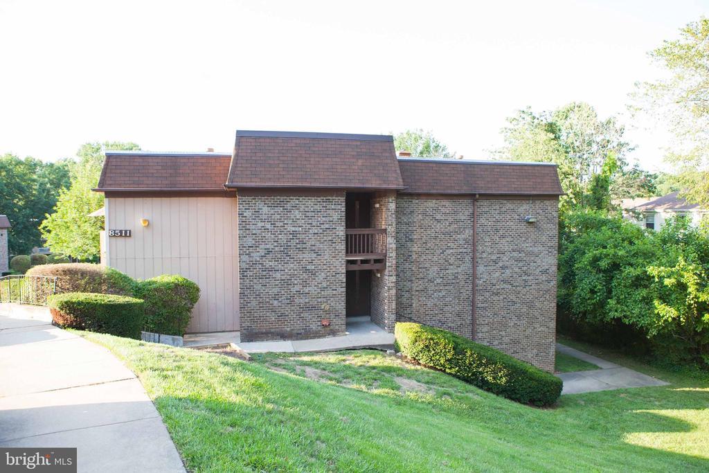 8511 Barrington Ct #K, Springfield, VA 22152