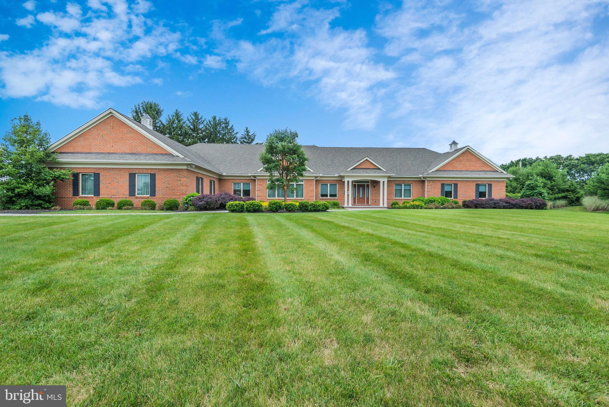 7050 CREEK CROSSING DRIVE, HARRISBURG, PA 17111