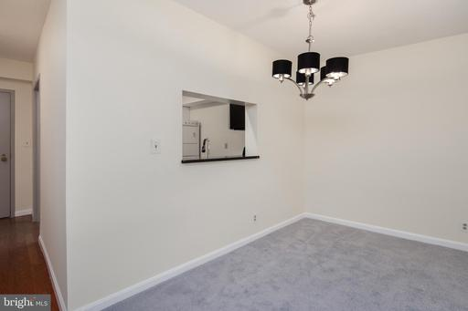 Photo of 1805 Crystal Dr #214s