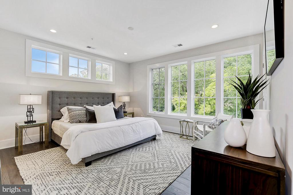 3671 Chevy Chase Lake Dr #leland Model, Chevy Chase, MD 20815