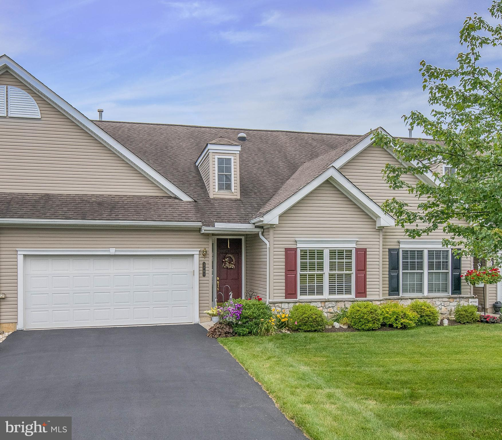 2701 TERRWOOD DR W, MACUNGIE, PA 18062