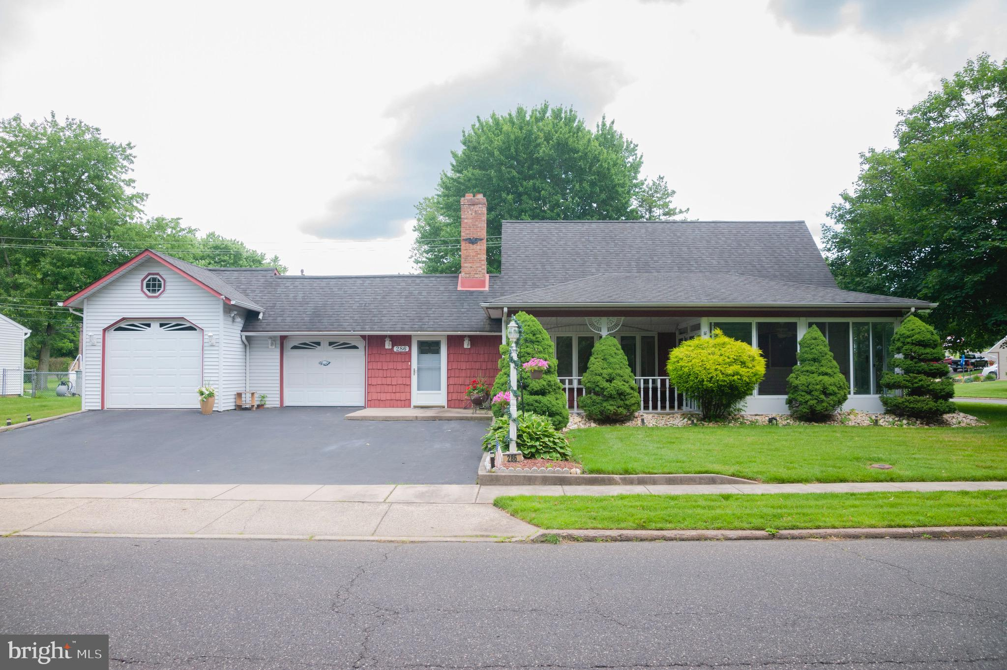 286 QUINCY DRIVE, LEVITTOWN, PA 19057