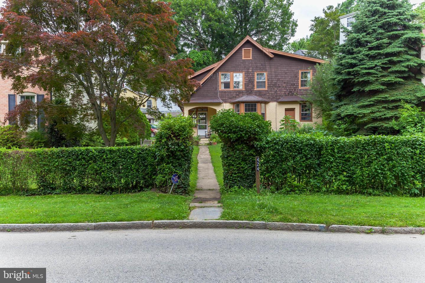 424 S Woodbine Avenue Narberth, PA 19072