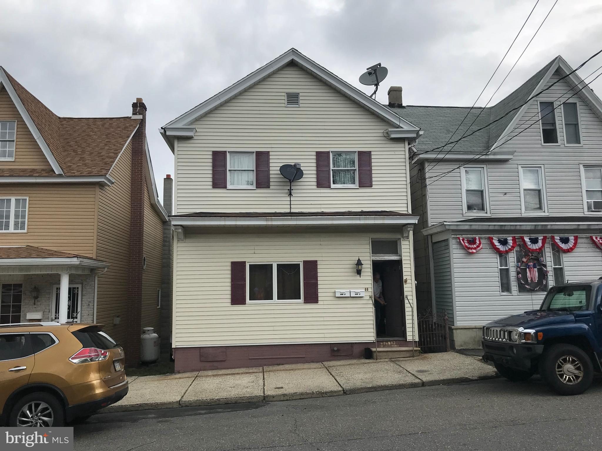 430 W WHITE STREET, SUMMIT HILL, PA 18250