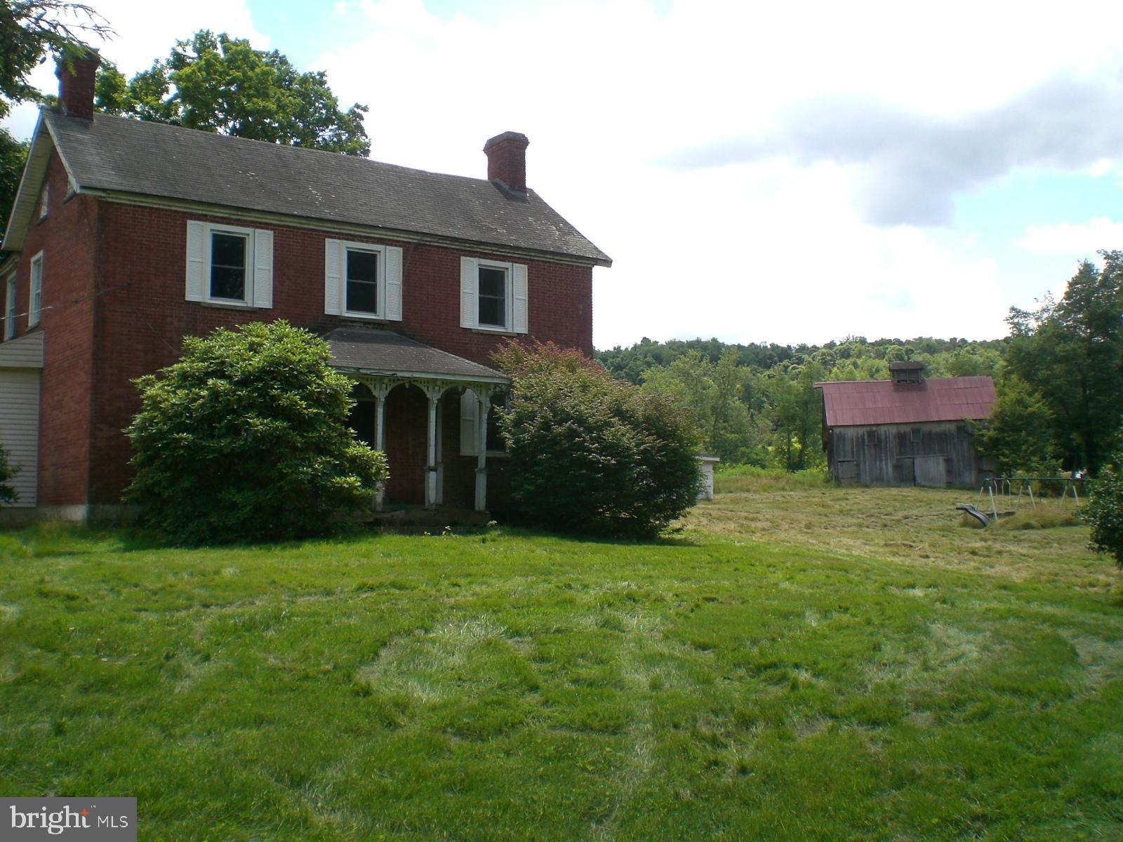 618 TAYLORTOWN ROAD, DILLINER, PA 15327