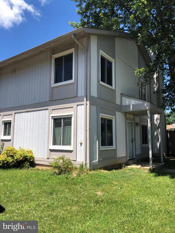 Back on the market, Bank has approved price at $280k.  Great corner unit with a lot of potential.  Needs full rehab.  Requires 3rd party approval, sold as-is.
