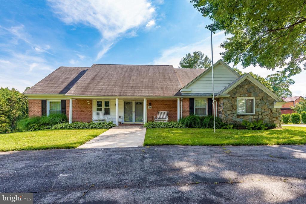 34  GOSHEN COURT 20882 - One of Gaithersburg Homes for Sale