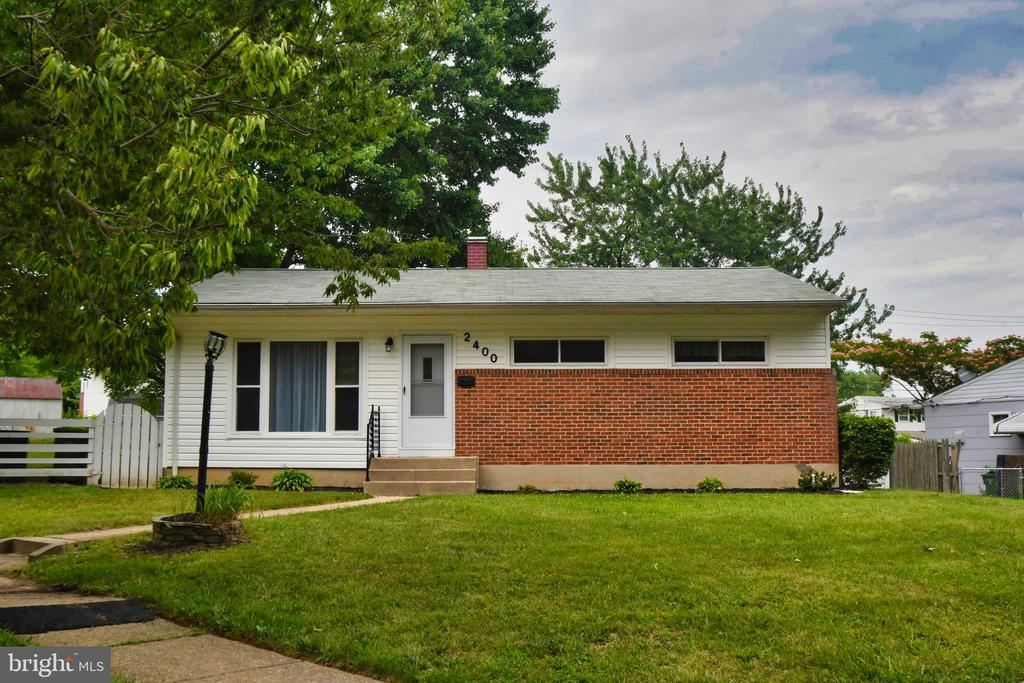 OPEN HOUSE SATURDAY 10/5/19 1-3pm   HUGE $10,000 PRICE REDUCTION!! Must See!!THIS SINGLE FAMILY HOME SITS ON A HUGE CORNER  LOT.  UPDATES THROUGHOUT. THIS BEAUTIFUL RANCHER OFFERS 3 BEDROOMS 2 FULL BATHS.  CARPET IN BEDROOMS.  LARGE LOWER LEVEL.  SPACIOUS BACK YARD GREAT FOR SUMMER PARTIES. KITCHEN AND BATHROOMS FEATURES CERAMIC TILES..THIS HOME ALSO FEATURES A WATERPROOF BASEMENT AS WELL AS A NEW FURNACE AND HVAC WITH PRIVATE DRIVEWAY. READY FOR YOUR PERSONAL DESIGN.