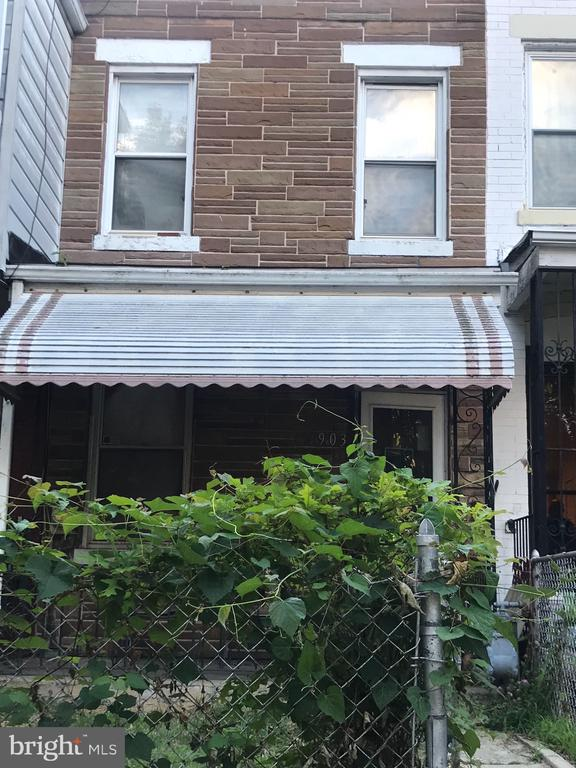 TOTAL REHAB. WILL HOLD 1 OPEN HOUSE THIS SUNDAY 6/30, FROM 11-1PM ONLY. NO EXCEPTIONS. CASH BUYERS ONLY. AGENTS PUT YOUR FEE ON TOP