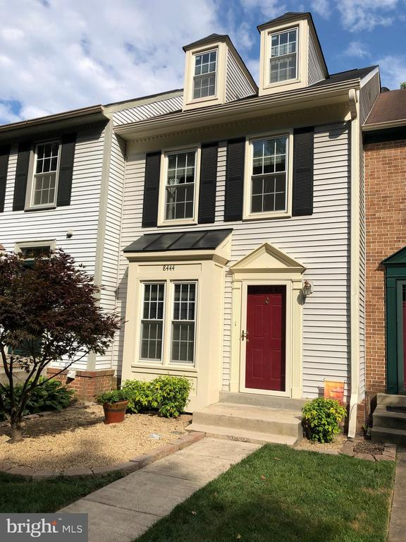 One of West Springfield 2 Bedroom Homes for Sale at 8444  SPRINGFIELD OAKS DRIVE