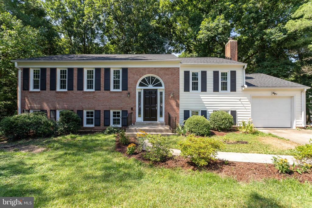 8110  OVERTON COURT, West Springfield, Virginia