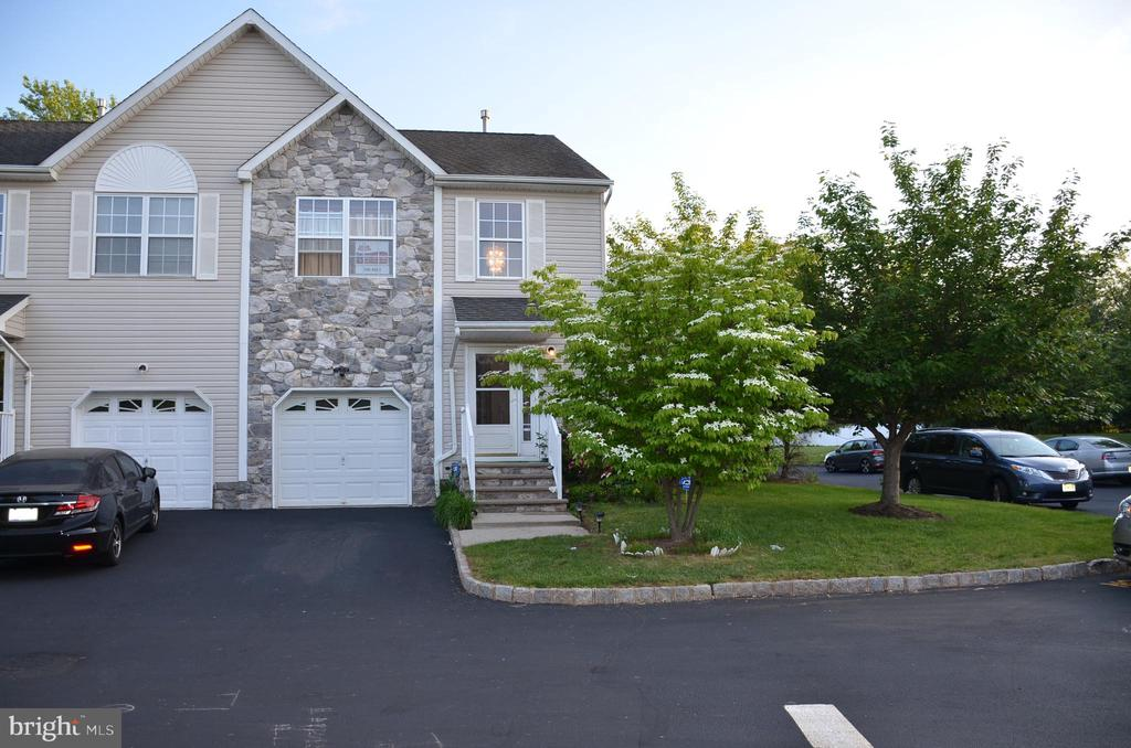 1 EDITH PLACE, SOMERSET, NJ 08873