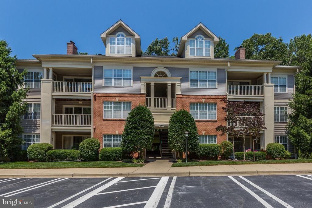 135  TIMBERBROOK LANE  102, Gaithersburg, Maryland