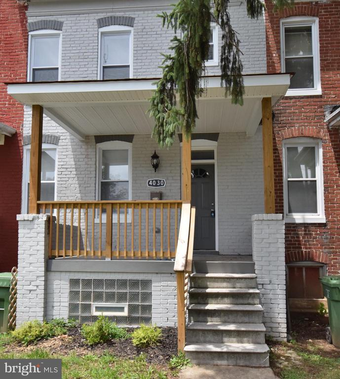 Welcome Home to this beautiful 3 bedroom 1.5 bath town home located in Northwest Baltimore.  This home as hardwood floors, granite counters and tray ceilings just to name a few.  stop by for a look at this gem and make an offer today.