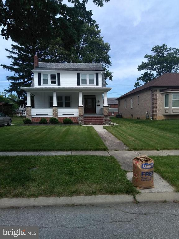 3 to 4 bedrooms 2 full baths, washer dryer. hardwood floors,brick fireplace stainless steel appliances. Property restored 2106. also available for rent 2k