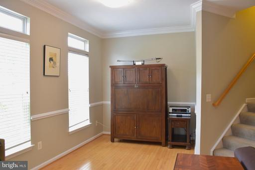 715 Scarburgh Way, Alexandria, VA 22314