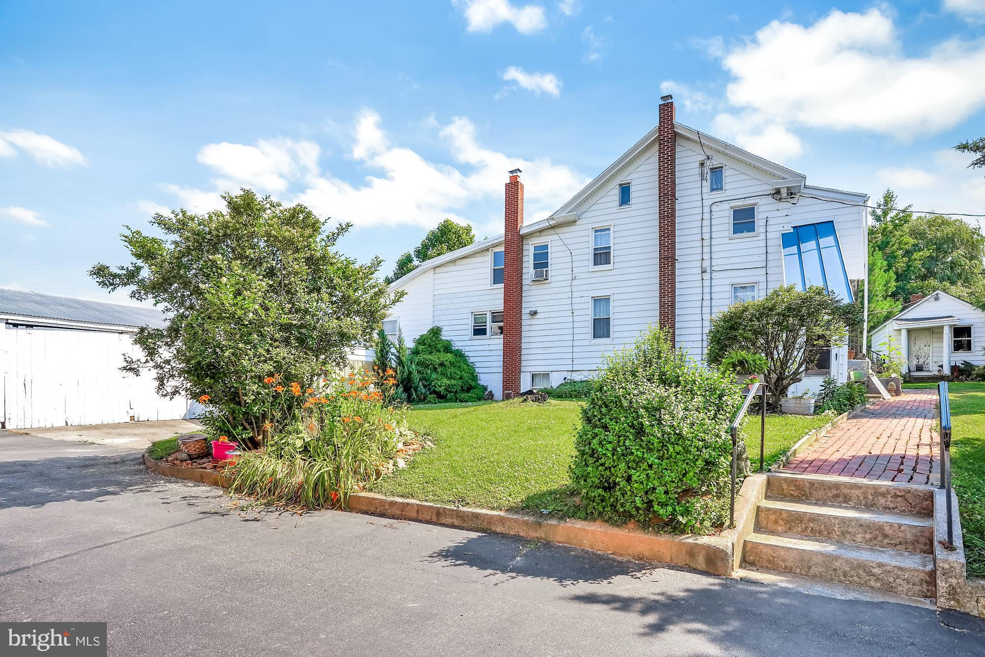 815 MANOR ROAD, WINDSOR, PA 17366