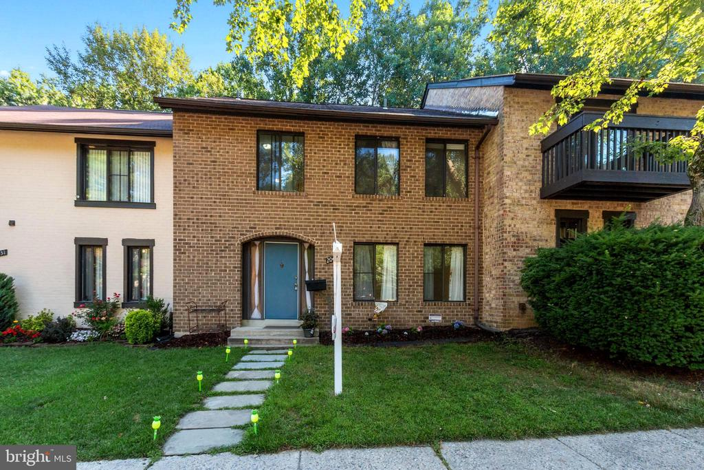 20429  MEADOW POND PLACE, Gaithersburg, Maryland