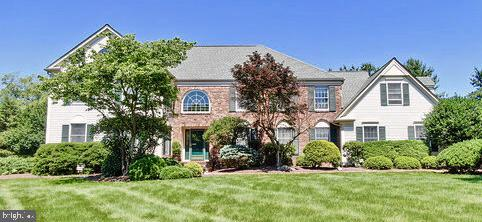 38 CANTERBURY LANE, BELLE MEAD, NJ 08502