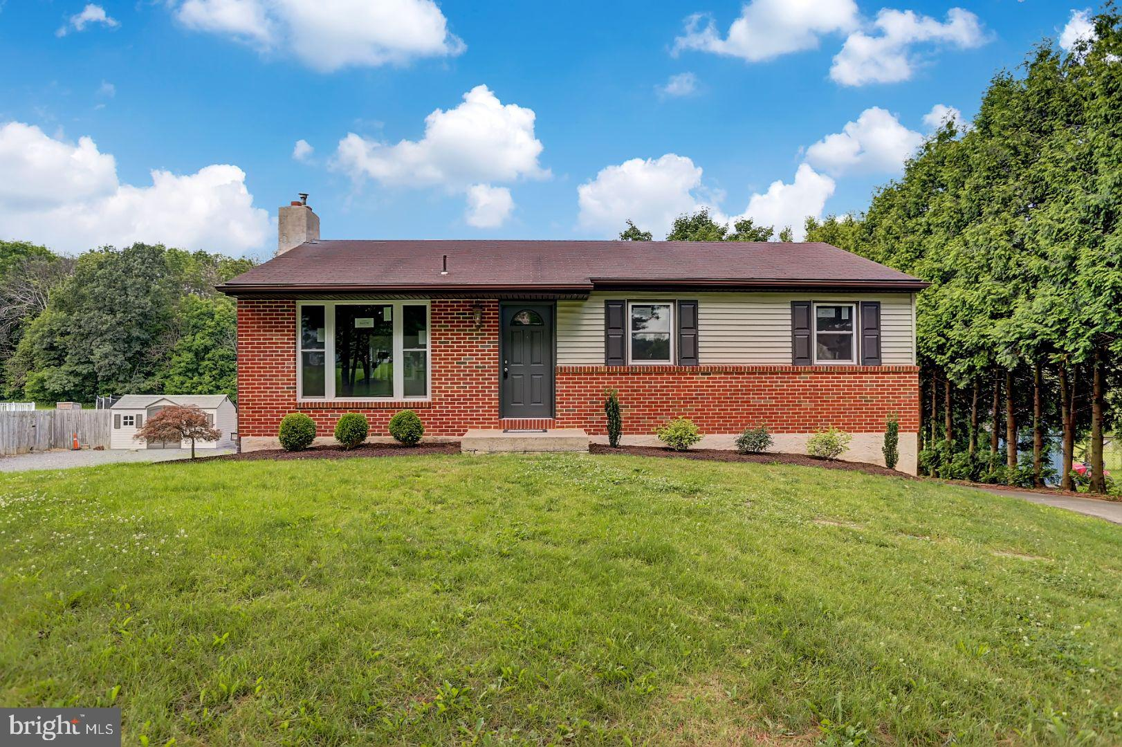 25 CARRIAGE CIRCLE, OLEY, PA 19547