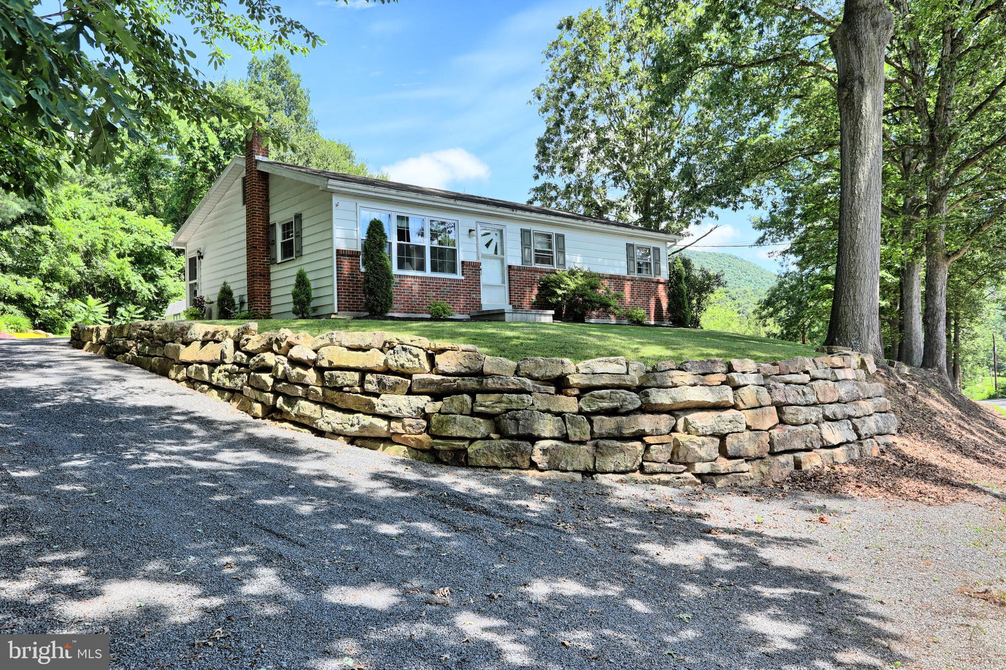 2035 ARCH ROCK ROAD, MIFFLINTOWN, PA 17059