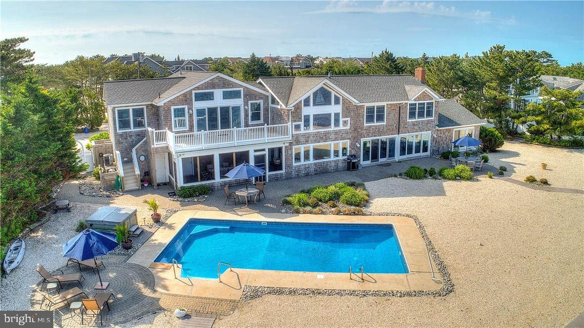 540 LEEWARD AVENUE, BEACH HAVEN, NJ 08008