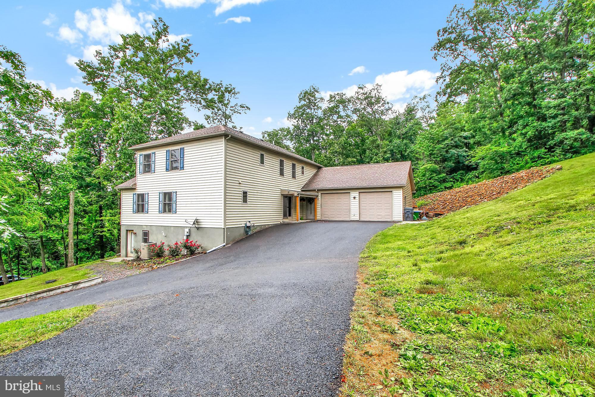 205 COMPANY FARM ROAD, YORK SPRINGS, PA 17372