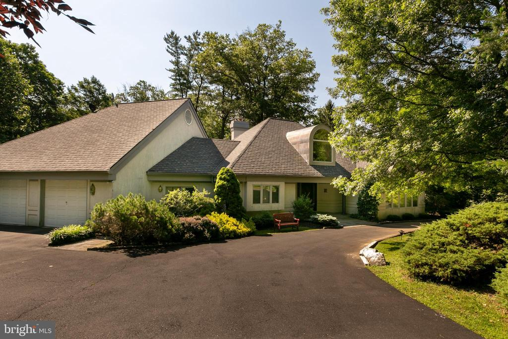 1637 PAPER MILL ROAD, MEADOWBROOK, PA 19046