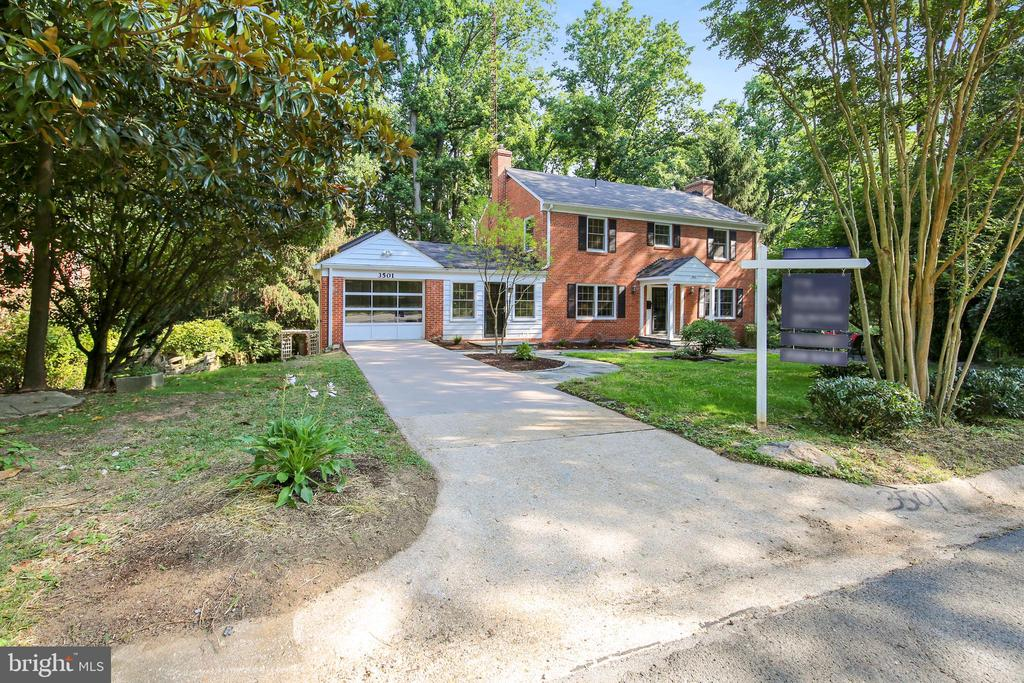 3501 Glenmoor Dr, Chevy Chase, MD 20815
