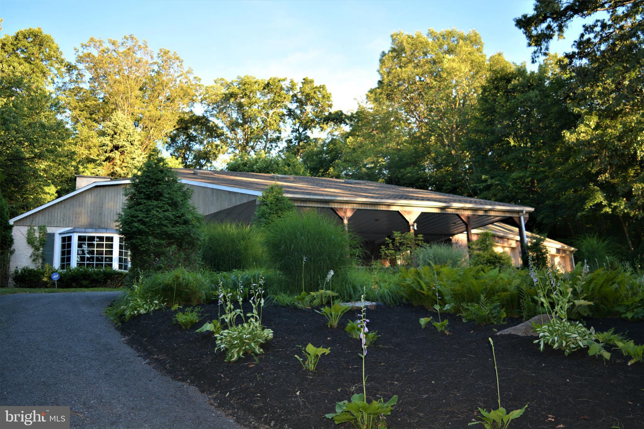1873 CHESTNUT HILL ROAD, MOHNTON, PA 19540