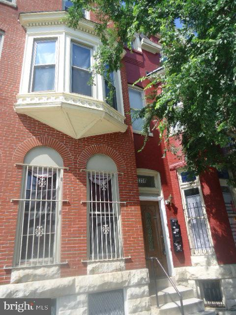 Very clean and Newly updated. close to public transportation