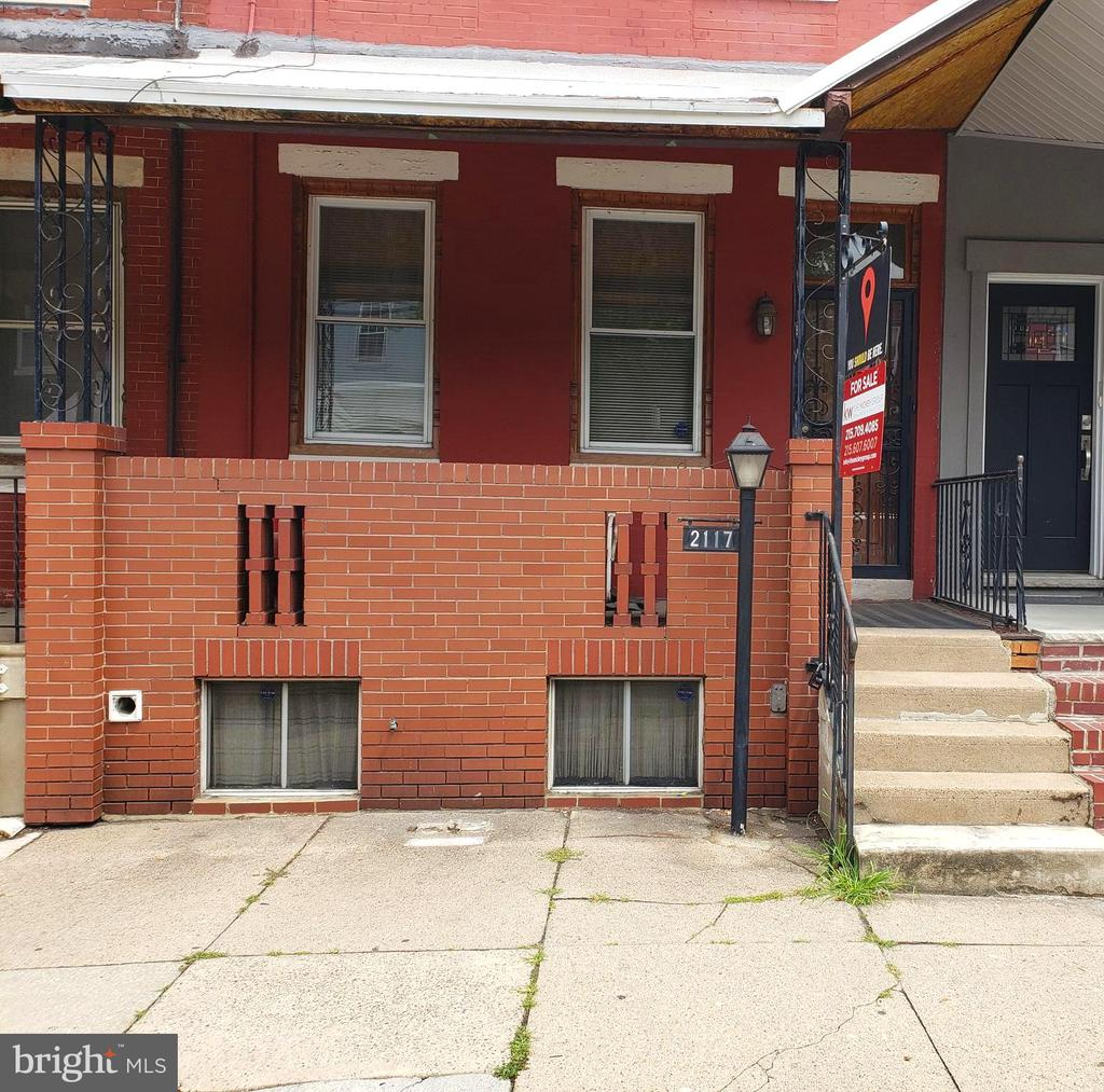 Great opportunity in Point Breeze for a first time buyer or investor! This classic porch front row home features an open plan living room and dining area, which flows into a well-maintained kitchen. Off the kitchen is a cement backyard perfect for grilling in the warmer months. Upstairs, three generous bathrooms share a tiled hall bath. Minor cosmetic upgrades could turn this into your own custom oasis in one of the hottest neighborhoods in Philadelphia. Convenient location near public transportation, blocks from Sardin Bar, On Point Bistro, Burg's Hideaway and many more!