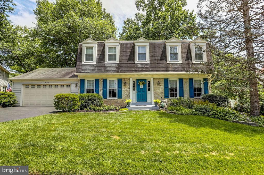 7121  ROLLING FOREST AVENUE, West Springfield, Virginia