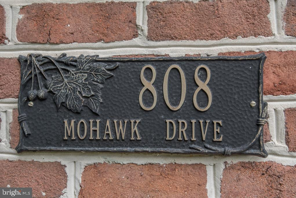 808 MOHAWK DRIVE