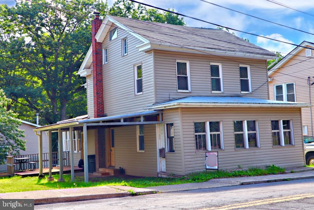 51 W MAIN STREET, WEATHERLY, PA 18255
