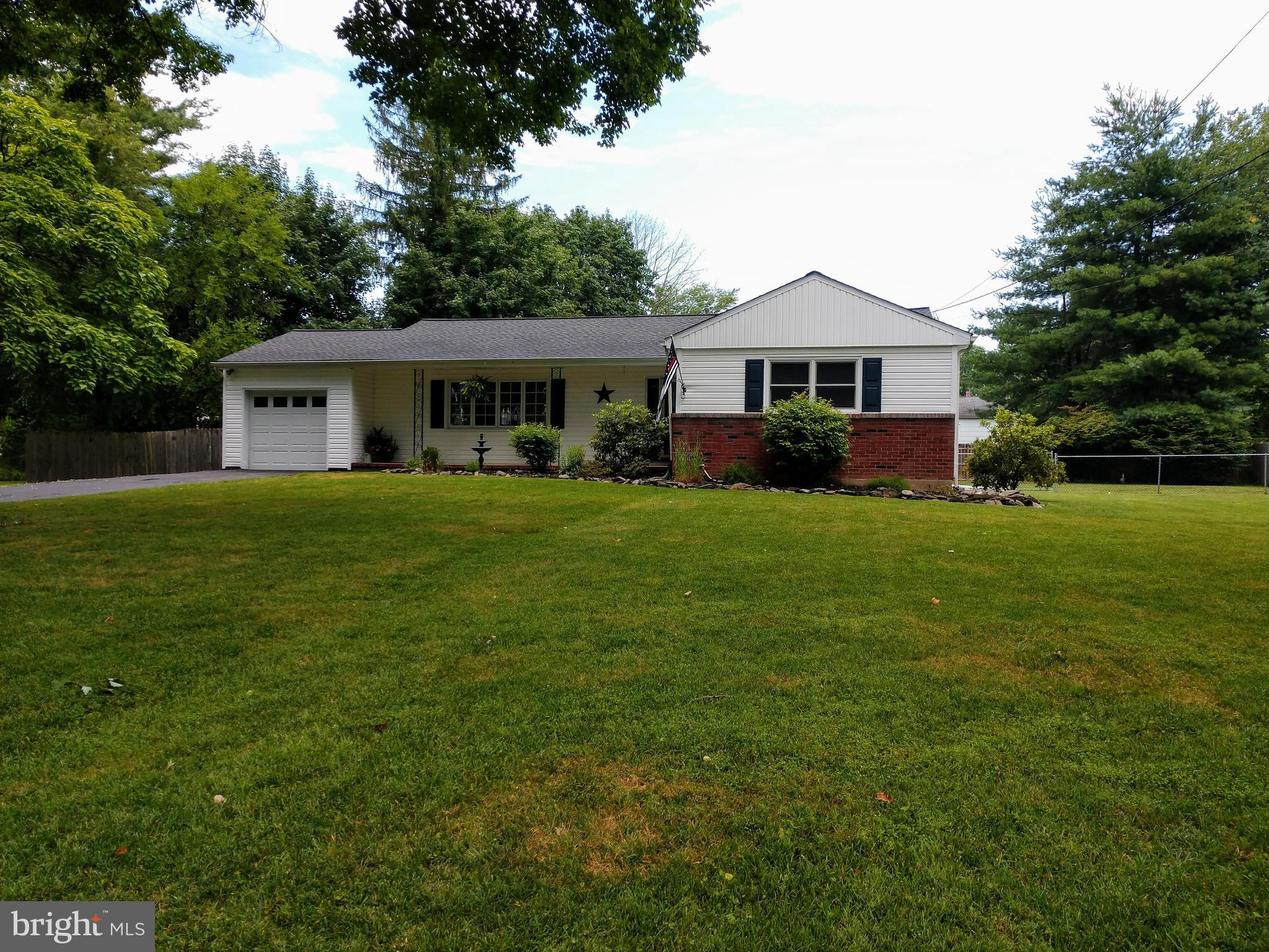 53 BAYBERRY ROAD, EWING, NJ 08618