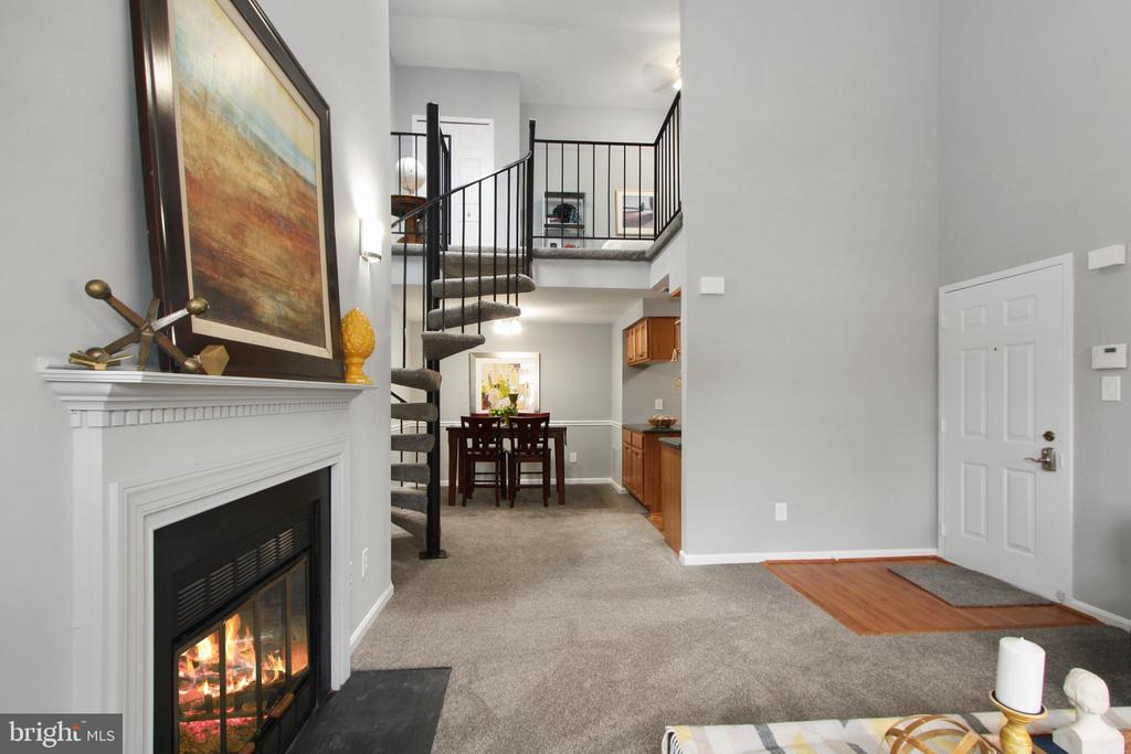 6065 Essex House Sq #B, Alexandria, VA 22310