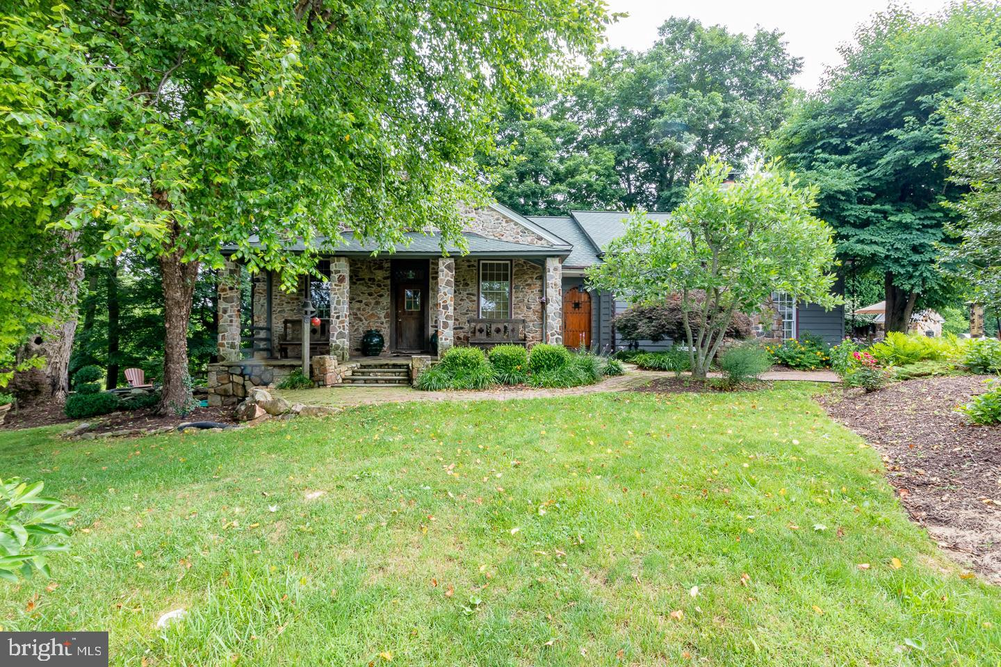 920 LOWER PINE CREEK ROAD, CHESTER SPRINGS, PA 19425