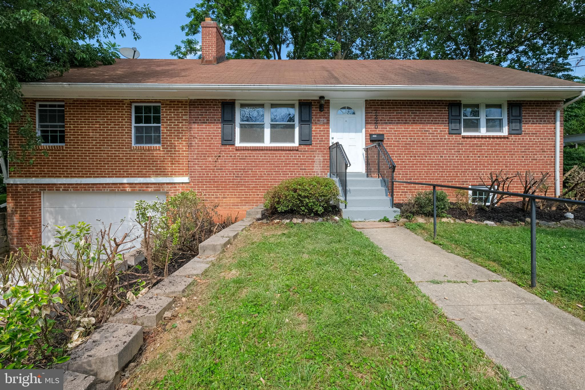 Fully Renovated. New Kitchen, Bathrooms, Paint, Windows, Flooring, Granite Countertops, Recess lights, Cabinets and much More. Convinielty located inside the Beltway, Close to major highways, Shopping Malls. A Must See!