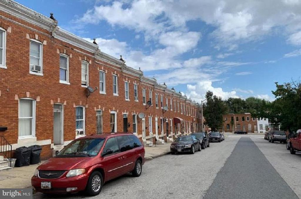 Investor Alert!!! Home is occupied by a long term tenant that wishes to stay. This would be a great addition to your rental portfolio!! Seller has other homes in Baltimore City and this could be sold as a package deal, Speak to lister about other units.