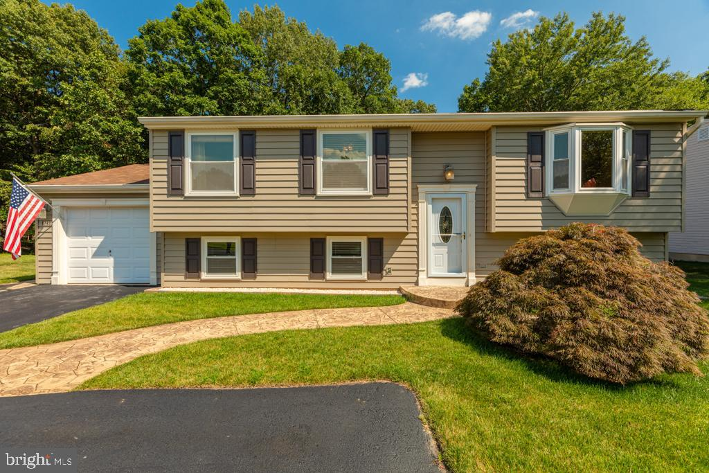 8283  WOLD DEN COURT, West Springfield, Virginia