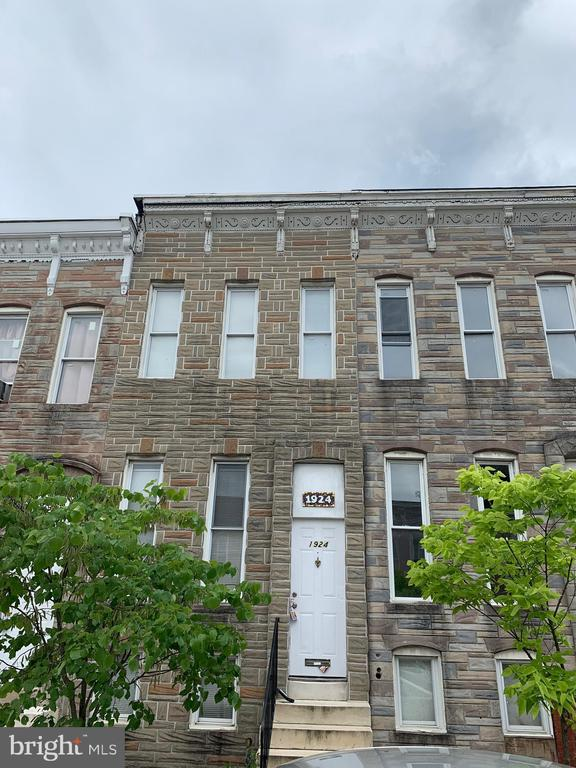 Nice and cozy 2 bedroom townhouse with den, basement, and back yard.  Located in West Baltimore City on a small block in the Upton area.  Brand new stove and refrigerator! Available immediately!!!