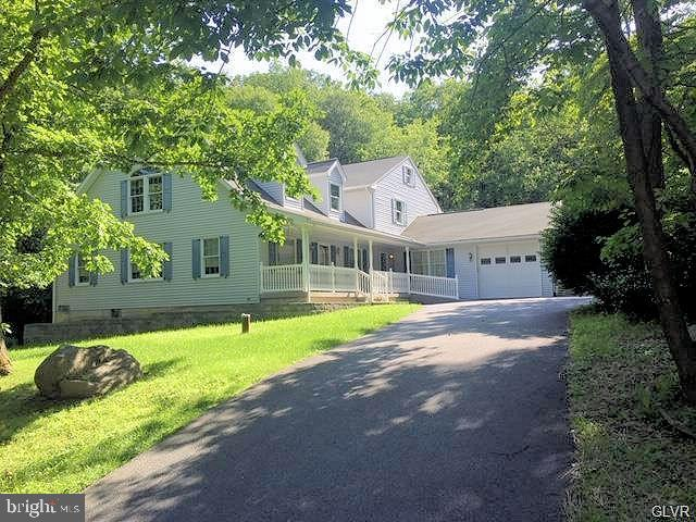 2257 SKYLINE DRIVE, SLATINGTON, PA 18080