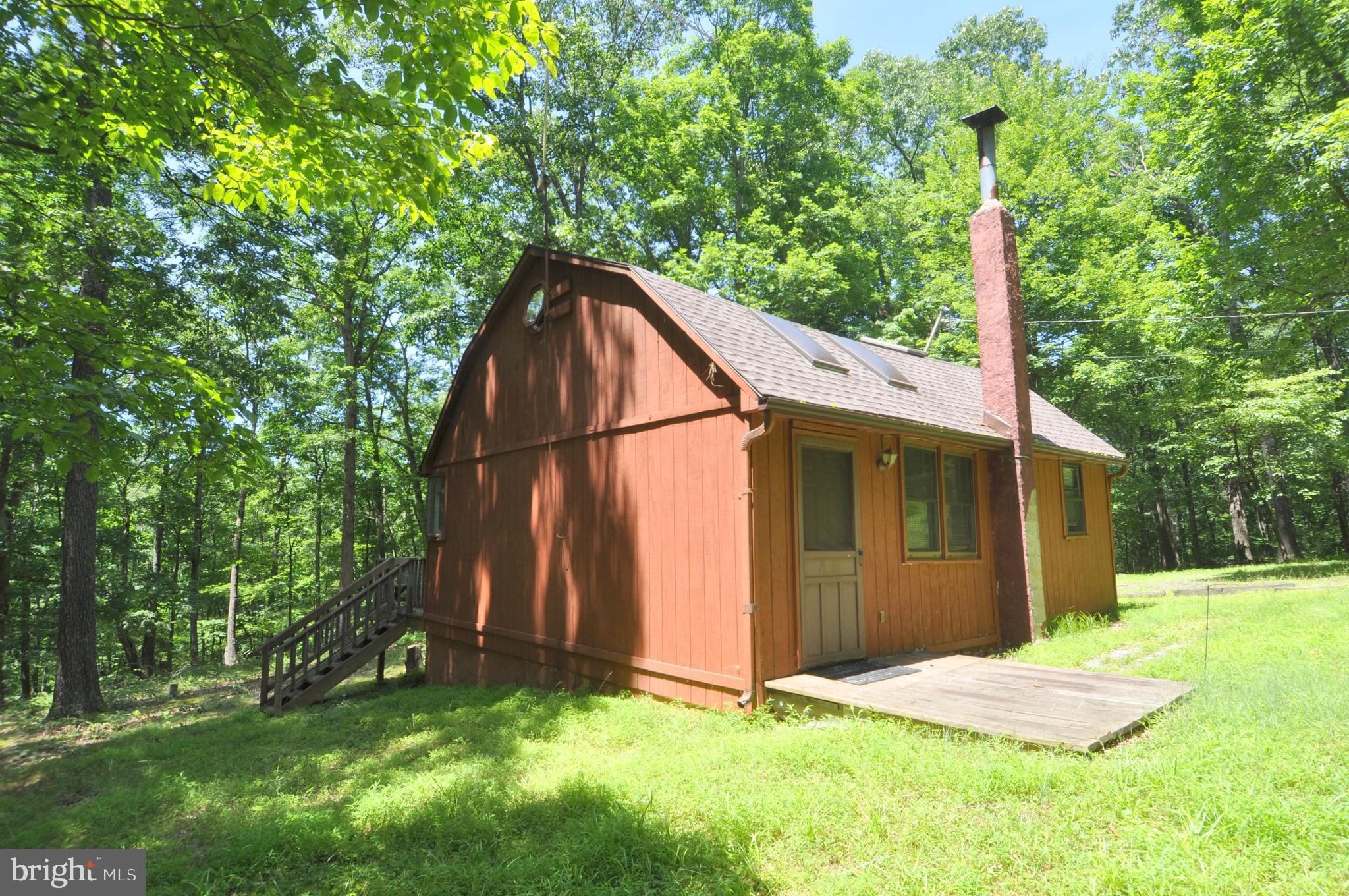 106 Flat Ridge Road, Great Cacapon, WV 25422