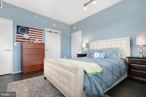 3409 Wilson Blvd #211, Arlington, VA 22201