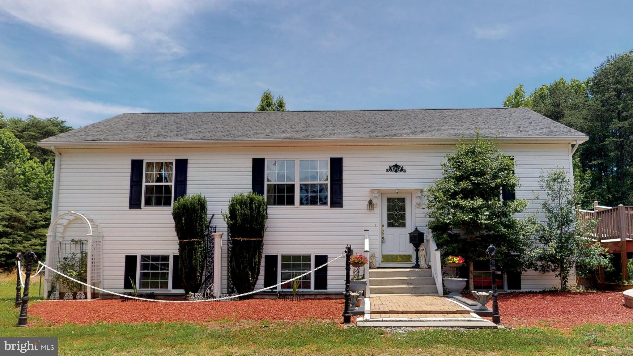 162 COMMUNITY HOUSE ROAD, KENTS STORE, VA 23084