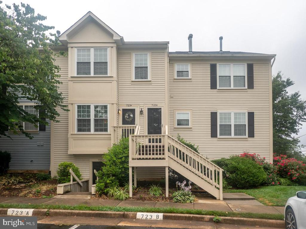 One of Fauquier County 2 Bedroom Homes for Sale at 723  CEDAR CREST DRIVE