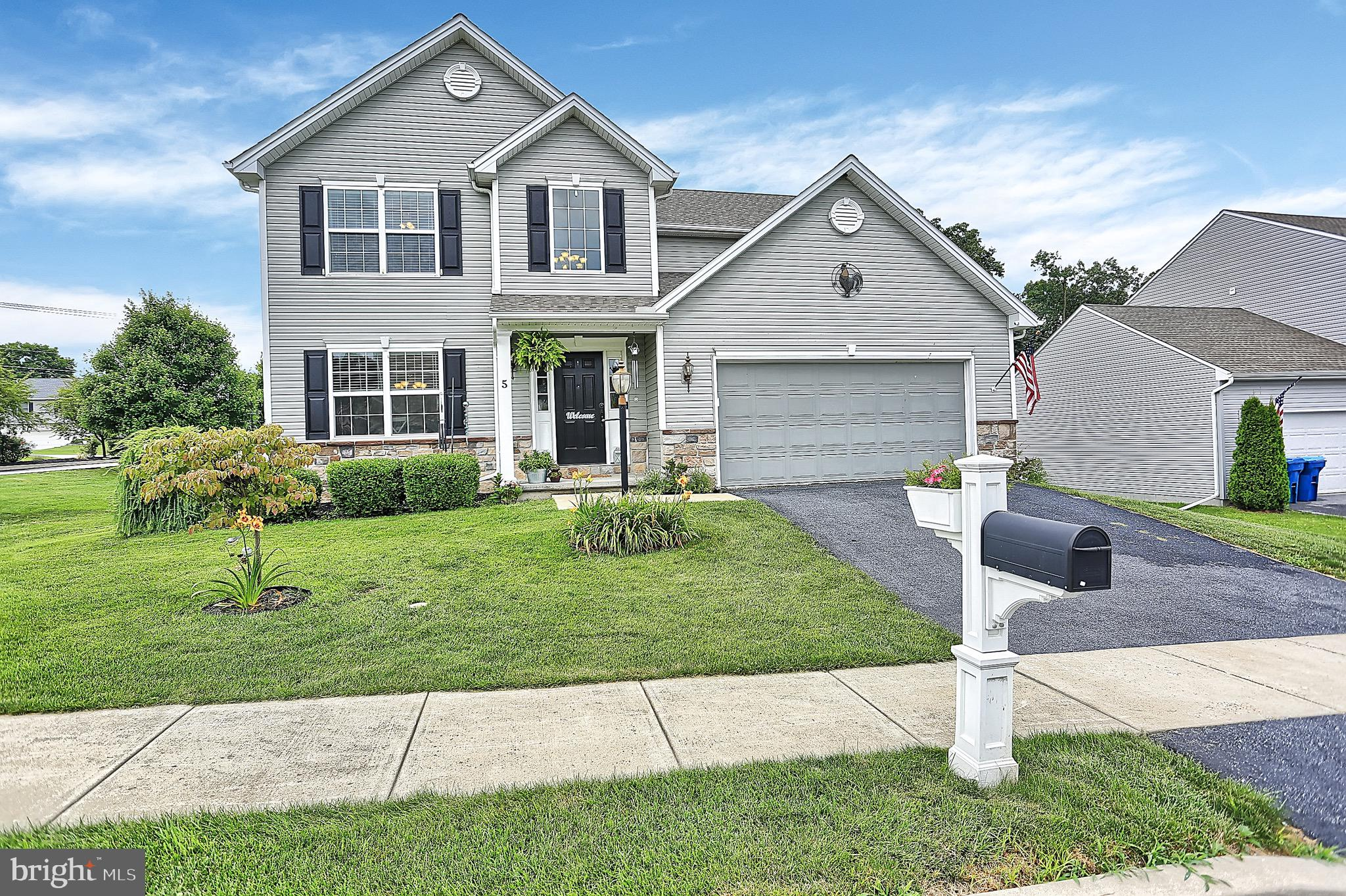 5 THOROUGHBRED DRIVE, YORK HAVEN, PA 17370