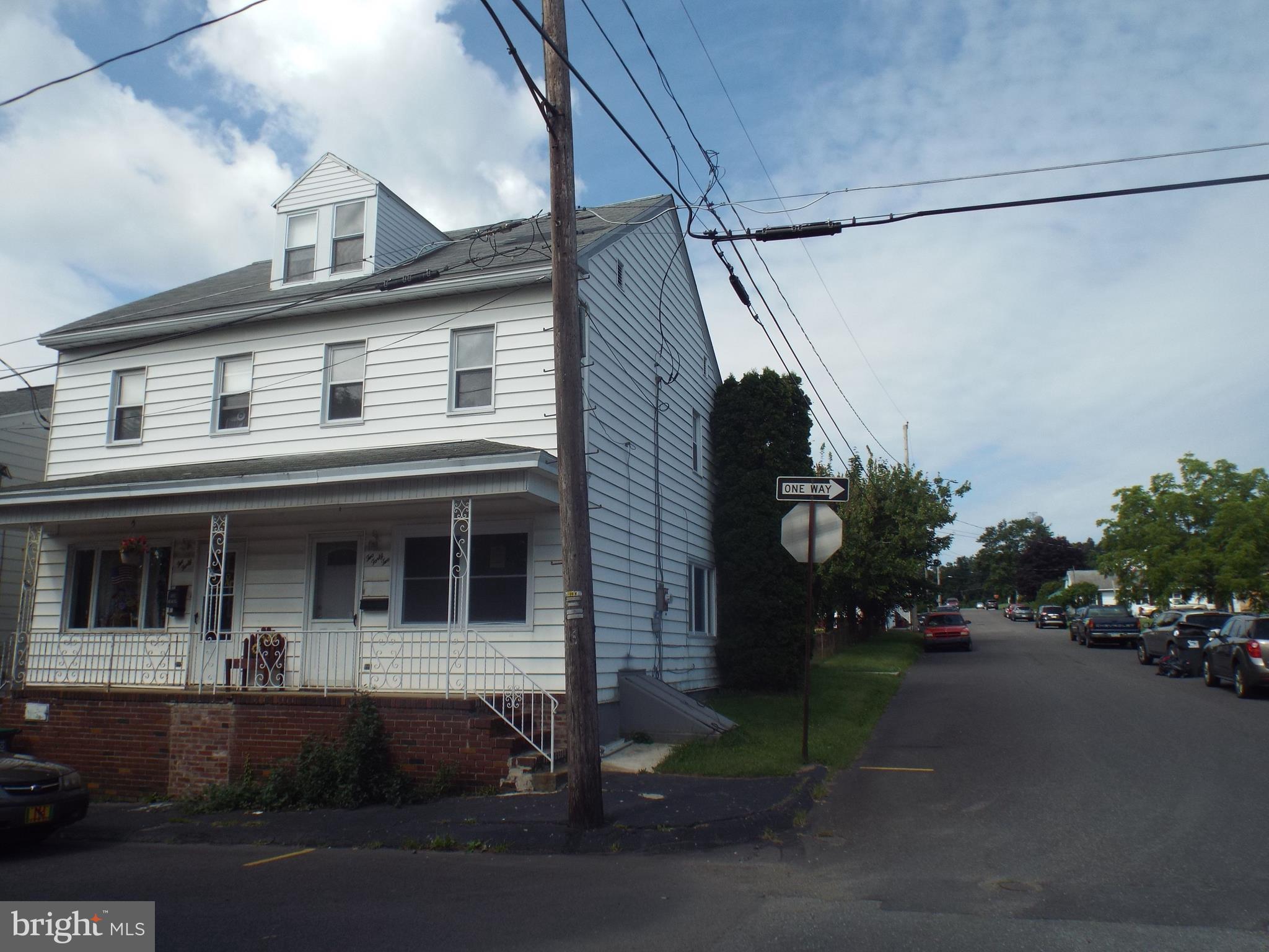 242 N 2ND STREET, FRACKVILLE, PA 17931